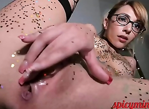 Blonde Doll gets wet with an increment of Glittery