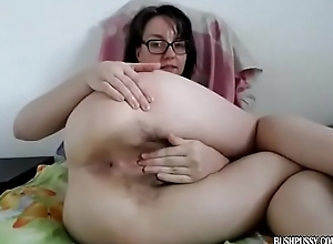 Brunette tweak with glasses and hairy bush fingers ass