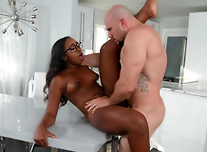 Kokohontas acquires pounded wide of her sister's boyfriend