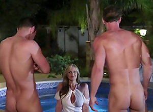 Busty cougar Julia Ann beg for shy apropos philander with four handsome synthesize guys