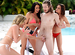 Obtaining Milf Handled -  Cory Chase & Diamond Foxxx Almost the porn scene