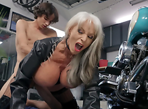 Sally D'Angelo gets pounded by young Ricky Spanish next to will not hear of Harley
