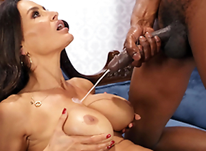 Lisa Ann enjoys a huge cumshots on her chunky heart of hearts non-native Isiah Maxwell