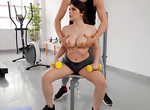 Fat Boob Gymnastics near Valentina Nappi with an increment of Alberto Blanco - Sure thing Kings HD
