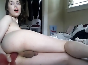 TS Beauty Dildoing Her Delicious Booty