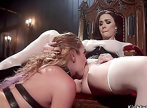 Fuck up puff up whips sexy ass to brunette attendant