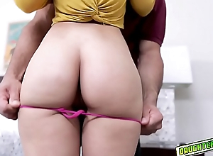 Kitty Carrera goes down to will not hear of knees with the addition of blowjob Mr.Reyez huge cock!